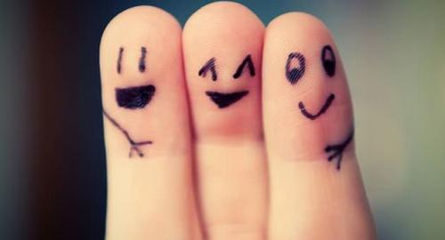 Tenersi stretti i veri amici: le regole dell'amicizia